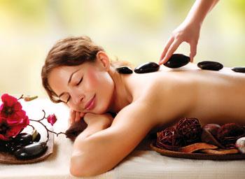 Le massage aux-pierres chaudes